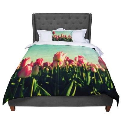 Robin Dickinson How Does Your Garden Grow Flowers Comforter Size: King
