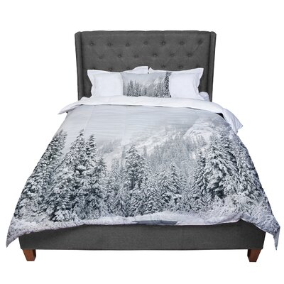 Robin Dickinson Winter Wonderland Comforter Size: King