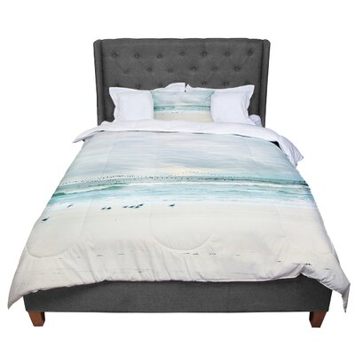 Sylvia Cook Flight Comforter Size: King
