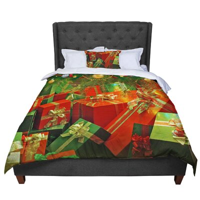 Snap Studio Wrapped in Cheer Presents Comforter Size: Queen