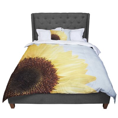 Susannah Tucker Sunshine Sunflower Comforter Size: King