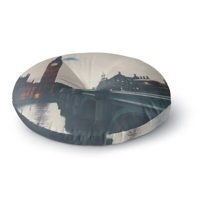 Laura Evans The Blur of the City Photography Round Floor Pillow Size: 26 x 26