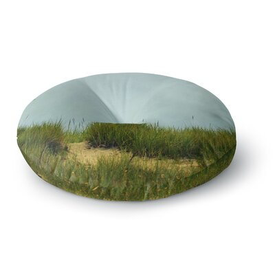 Robin Dickinson Hand in Hand Round Floor Pillow Size: 23 x 23