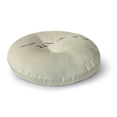 Cristina Mitchell in Flight Nature Photography Round Floor Pillow Size: 23 x 23