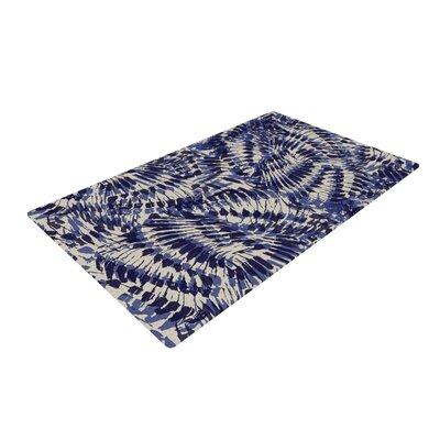Gukuuki Iggy Palms Navy/Blue Area Rug Rug Size: 4 x 6