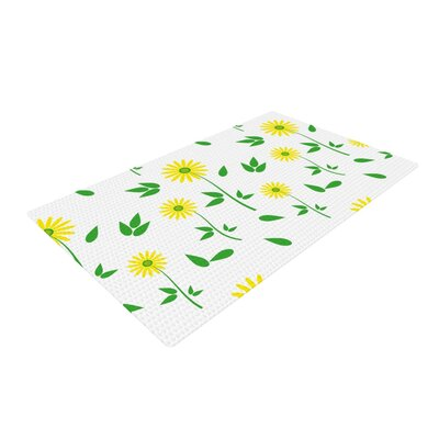 Louise Daisy Yellow/Green Area Rug Rug Size: 2 x 3