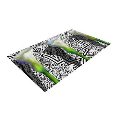 S. Seema Z Three Lily Black/White Area Rug