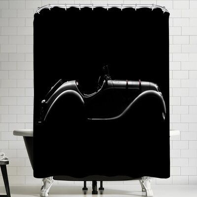 1x Silhouette Shower Curtain