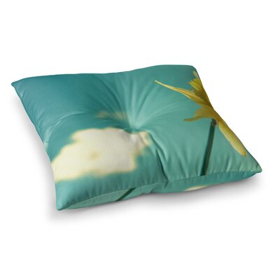 Robin Dickinson Daffodil Square Floor Pillow Size: 26 x 26