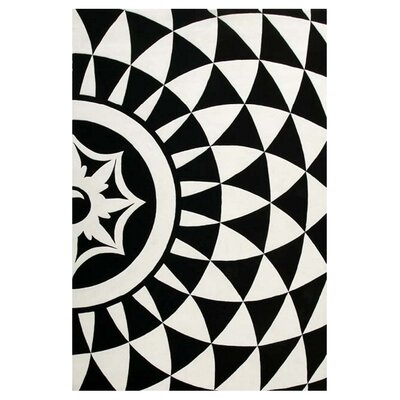 Ririe Hand-Tufted Black/White Area Rug