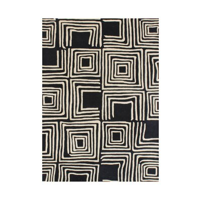 Chatra Hand-Tufted Black Area Rug