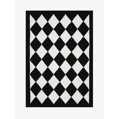 Hand-Tufted Off-White Area Rug
