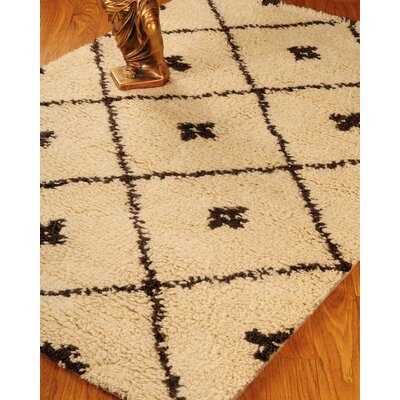 Hand-Woven Beige Area Rug Rug Size: Rectangle 4 x 6