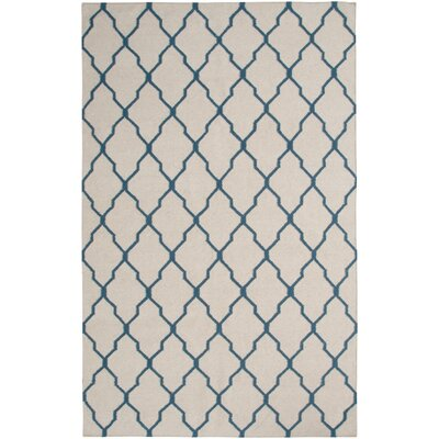 Hand-Woven Beige/Blue Area Rug Rug Size: Rectangle 5 x 8