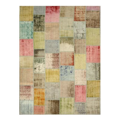 Naraura Hand-Knotted Pink Area Rug