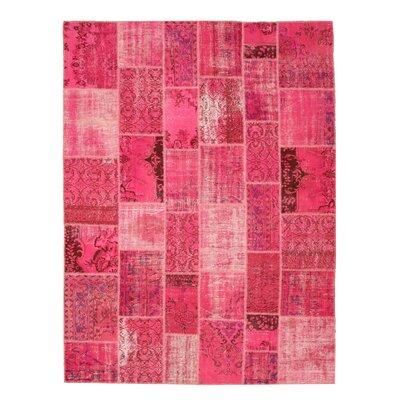 Naugawan Hand-Knotted Pink Area Rug
