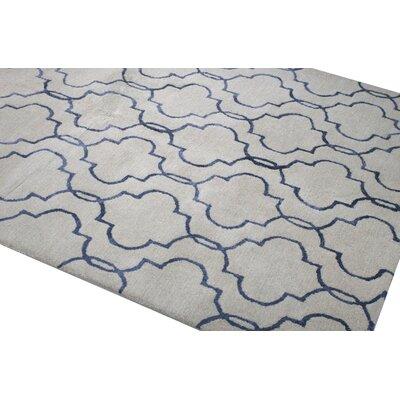 Venduruthy Hand-Tufted Ivory/Blue Area Rug Rug Size: 56 x 86