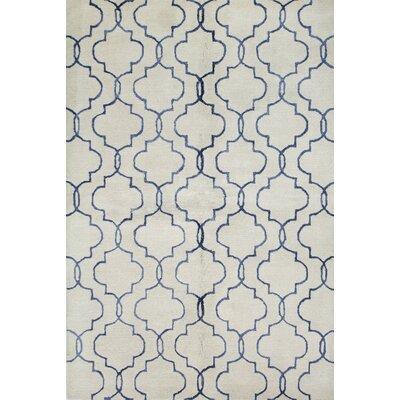 Venduruthy Hand-Tufted Ivory/Blue Area Rug Rug Size: 79 x 99