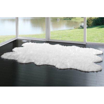 Anvi Faux Fur White Area Rug Rug Size: 5 x 8