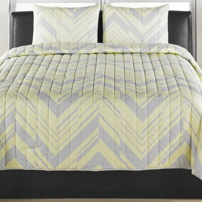 Chevron 3 Piece Quilt Set Size: King
