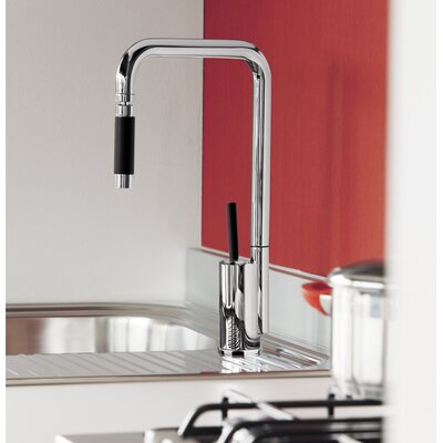 Single Handle Kitchen Faucet Finish: Chrome