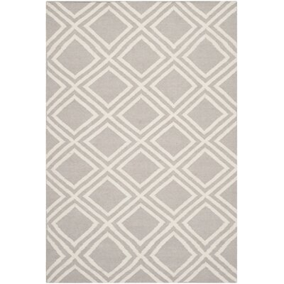 Brianna Grey/Ivory Area Rug Rug Size: Rectangle 4 x 6