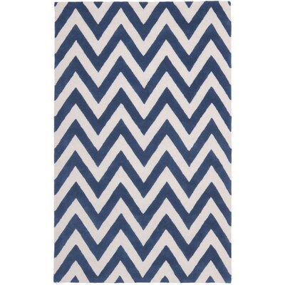 Hand-Tufted Navy/Ivory Area Rug Rug Size: 4 x 6