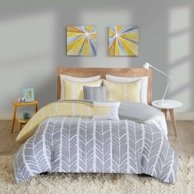Cherie Duvet Cover Set Size: Full/Queen, Color: Yellow