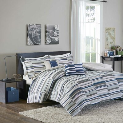 Clara Comforter Set Size: Full/Queen, Color: Blue