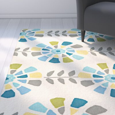Carissa Flower Bloom Hand-Woven Cream Indoor/Outdoor Area Rug Rug Size: 37 x 57