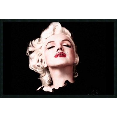 Marilyn Monroe - Eyes Shut Framed Photographic Print
