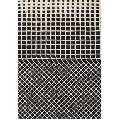 Gianna Ivory/Black Area Rug Rug Size: 76 x 96