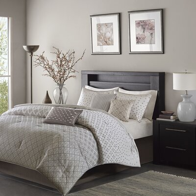 Gold Coast 7 Piece Comforter Set Size: Queen