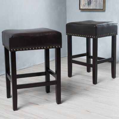 Temaraia 26 Bar Stool