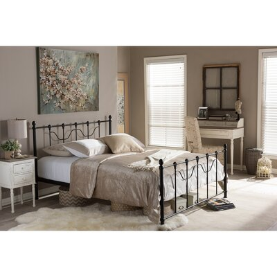 Kleio Platform Bed Size: Queen