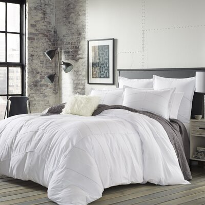 Aker Duvet Cover Set Size: Twin