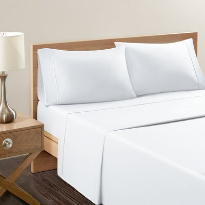 Akridge 300 Thread Count 100% Cotton Sheet Set Size: King, Color: White