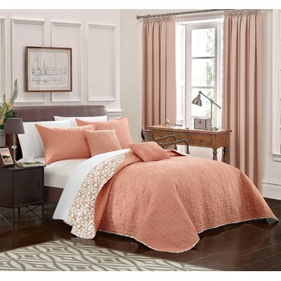 Hubbard Reversible Quilt Set Size: Queen, Color: Coral