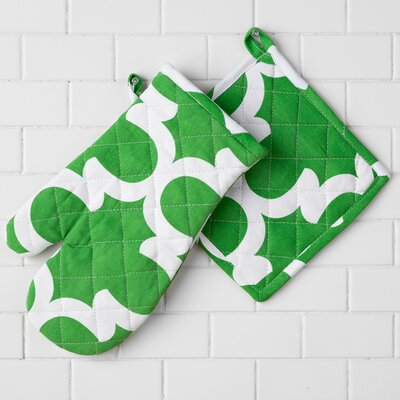 McClelland Oven Mitt and Potholder Set Color: Green/White