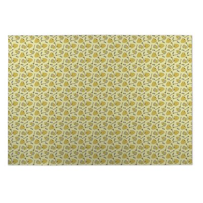 Floria Bees Indoor/Outdoor Doormat Rug Size: 5 x 7