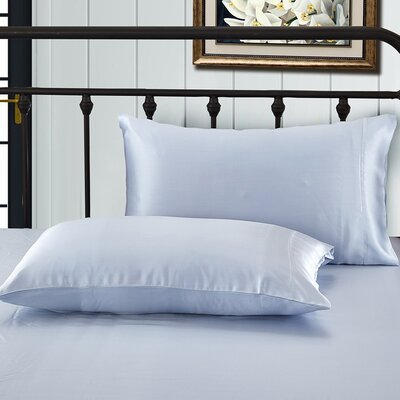 Solid Pillow Case Color: Light Blue