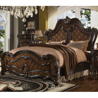 Royal Sleigh Bed Size: California King
