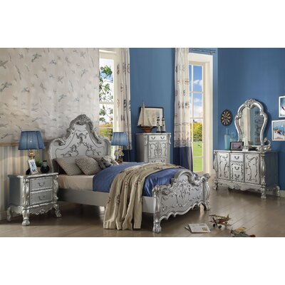 Villenova Panel Bed Size: Full