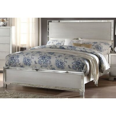 Hester Panel Bed Size: Queen