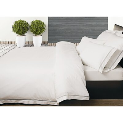 European Renda 3 Piece Reversible Duvet Cover Set Size: Queen