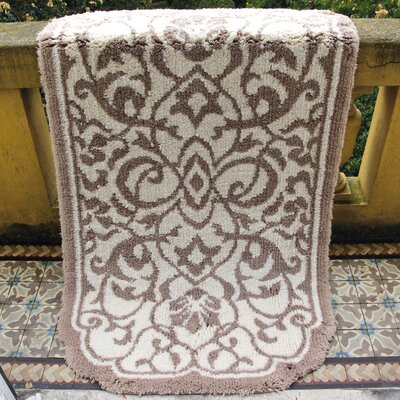Graccioza Damask Bath Rug Size: 32