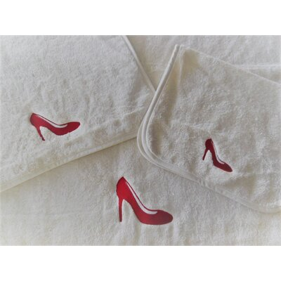 Shoe Embellished Bath Towel Color: Red/Ivory