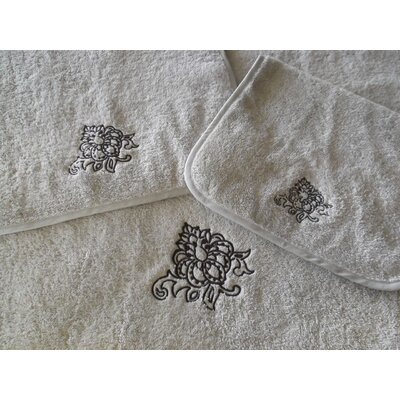 Embellished Bath Towel Color: White
