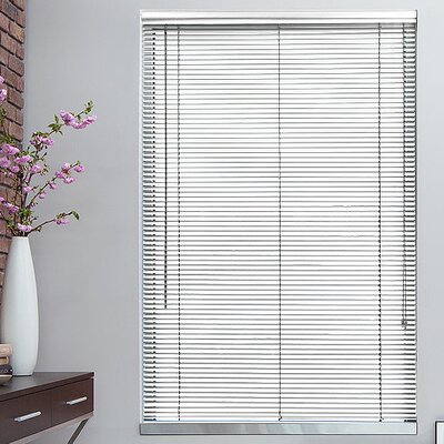 1 White Metal Blinds Width: 32, Length: 72