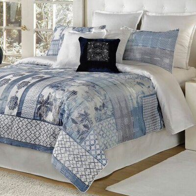 Quinn 4 Piece Comforter Set Size: Queen, Color: Blue